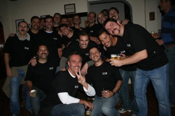 Encontre 5 finalistas dos 200 peito de fev 1989 nessa foto de 2009.