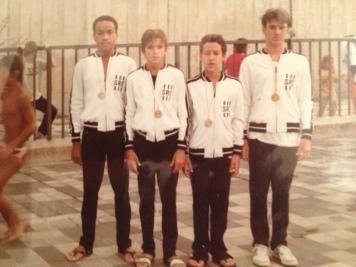 Revezamento Bronze no Infantil B - Paulista de 1984. Claudinei, eu, Dezor e Bene