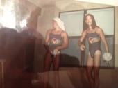 """Trotes aconteciam nos EUA tambem. Tirei essa foto enquanto os calouros desfilavam como """"nadadoras""""!"""