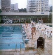 200 Peito dez 1990. Saída.