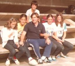 Foto tirada no último dia. Todos prontos para a viagem de volta. Chris, Claudia, Léo, Ana e Desiree.