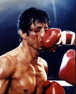 Rocky mais uma vez levando uma tremenda surra.