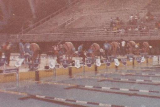 Essa deve ter sido a última vez que o Edu nadou de touca. E eu com a tradicional touca PEPSI Marlins.