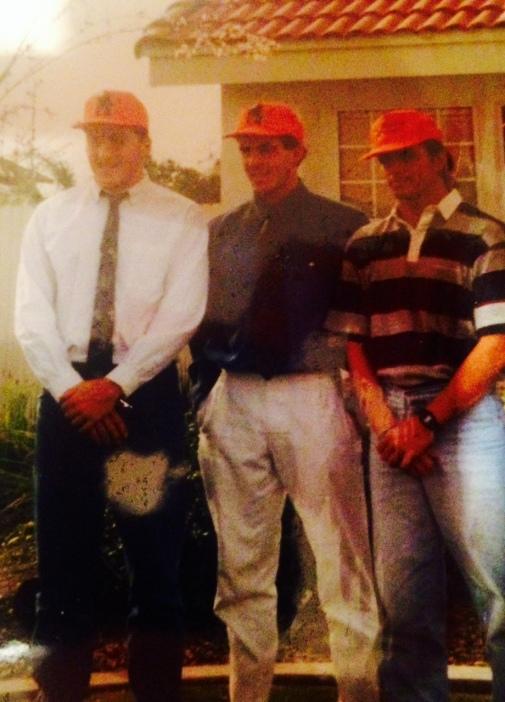 Da esquerda pra direita: Nolan Shifrin, Dave Huston e eu na casa do Maglischo