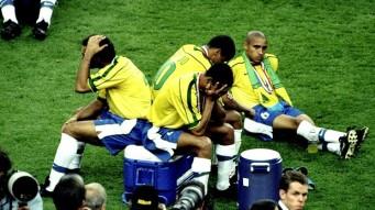 Se eu tivesse adiado o casamento, o Brasil seria Penta!  kkkkk