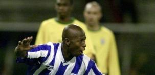 Futebol é momento. Em 2001, perdemos pateticamente de Honduras, mas em 2002 vencemos os sete jogos e ganhamos a Copa.