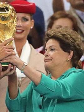 Empolgação da nossa presidente no momento auge da Copa!