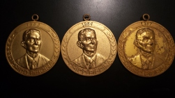 Medalha, Medalha, Medalha... achei estas...