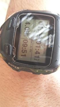 Detalhe do Garmin GPS de um dos nadadores... 4.08Km - boa medição! (obs: vou querer um desses de Natal)