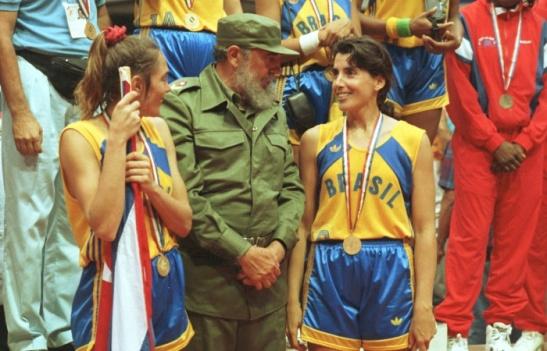 Fidel tintando Hortência e Magic Paula.