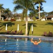 Qualquer piscina tá valendo...
