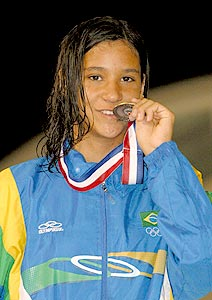 Bronze no Pan para Joanna Maranhão, 16.