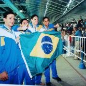 Prata no 4x200: Cassiano, Saez, Gustavo e Tetê.