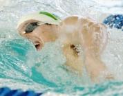 Gustavo nadando para o ouro nos 200L.