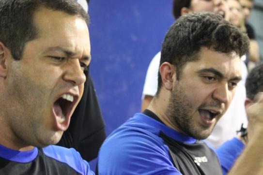Coaches do Pinheiros comemoram uma das cinco vitórias do domingo