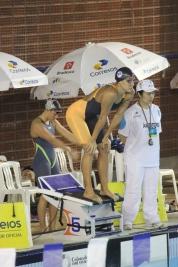 Joanna Maranhão para nadar borbola e encerrar a maratona de competições