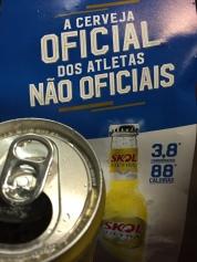 Esse lance de cerveja para hidratar atletas pode dar um post...