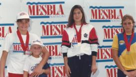 200m costas: Ouro Mayra Kikuchi, prata Cristiane Santos, bronze Fernanda Ferraz