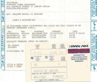 Telegrama e cartão de embarque