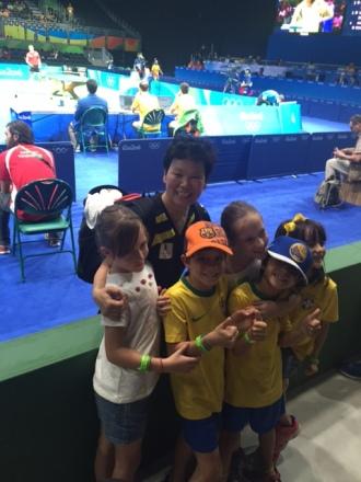 A estrela Sino-Luxeburguesa do Tenis de Mesa: 50+