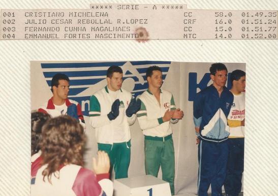89-finkel0006-podio-200m-livre